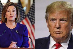 Đảng Dân chủ tung đòn hiểm, ông Trump chật vật