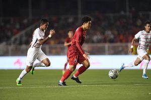 Đức Chinh 'solo' đẹp mắt, ghi bàn cho U22 Việt Nam