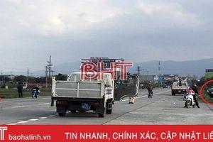 2 'xế hộp' cùng bay xuống ruộng sau va chạm mạnh trên QL 1A qua Hà Tĩnh