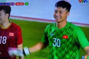 Fan nữ lịm tim với 'nụ cười có nắng' thủ thành U22 Việt Nam