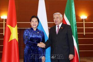 Chủ tịch Quốc hội Nguyễn Thị Kim Ngân gặp Chủ tịch Hội đồng nhà nước cộng hòa Tatarstan