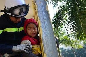 Học viện CSND tổ chức khóa tập huấn kỹ năng thoát hiểm, phòng chống cháy nổ dành cho thiếu nhi