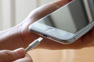 iPhone 2021 sẽ bỏ cổng Lightning, sạc không dây hoàn toàn