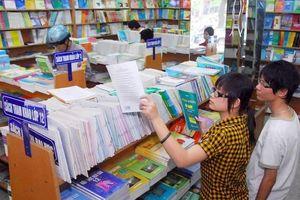 Nhà xuất bản chi thù lao cho lãnh đạo Sở GD&ĐT TP Hồ Chí Minh: Vi phạm Luật Phòng, chống tham nhũng