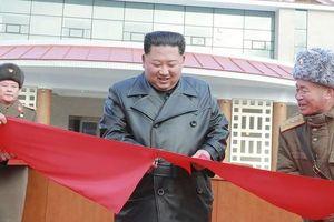Lãnh đạo Kim Jong Un khánh thành khu nghĩ dưỡng, Triều Tiên 'lách' lệnh trừng phạt
