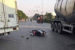 Va chạm với xe tải, hai mẹ con thương vong