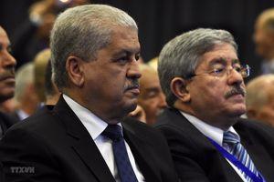 Hai cựu Thủ tướng Algeria bị đề xuất mức án 20 năm tù do tham nhũng