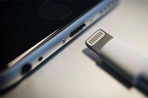 iPhone có thể bỏ dùng cáp lightning năm 2021