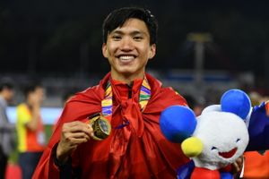 Heerenveen gọi Văn Hậu là cầu thủ lớn của U22 Việt Nam