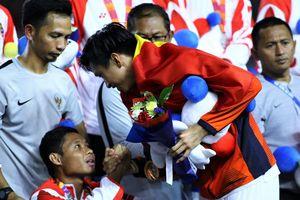 Báo Indonesia bức xúc vụ Evan Dimas phải ngồi xe lăn