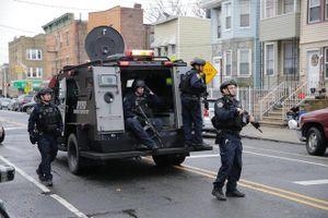Đọ súng gần New York, 6 người thiệt mạng