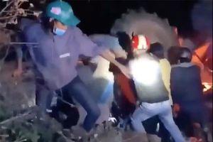 Lái xe máy cày đi 'bão' mừng U22 Việt Nam chiến thắng, 1 người tử vong