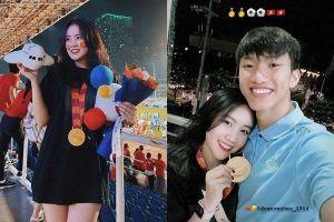 Hành động bất ngờ của Đoàn Văn Hậu và bạn gái hotgirl khi U22 Việt Nam vô địch