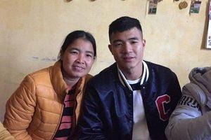 Mẹ Hà Đức Chinh: 'Hai mẹ con chỉ có mấy phút trò chuyện từ tối qua đến giờ'