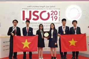 Trường Hà Nội - Amsterdam đoạt 3 huy chương vàng Olympic Khoa học trẻ