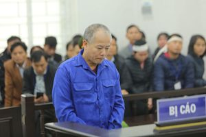 Sát nhân giết 4 người trong gia đình em trai bật khóc nức nở tại tòa