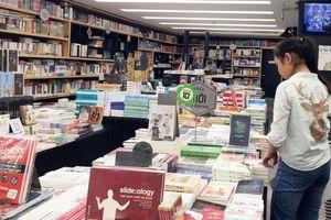 Hỗn loạn thị trường sách văn học