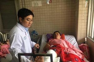 Phó công an xã bị thương nặng do trộm lao xe thẳng vào người