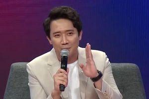 Trấn Thành kể kỷ niệm nắm tay Hoài Linh theo đi diễn hài