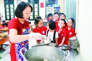 Lo ngại bữa ăn học đường thiếu vi chất
