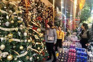 Thị trường Noel: Đa dạng hàng hóa, sức mua tăng