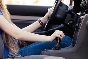 Những thói quen xấu khiến ô tô xuống cấp 'không phanh'
