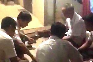 Thanh Hóa: Đình chỉ bí thư và phó chủ tịch xã bị tố đánh bạc tại cơ quan
