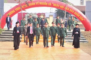 Đại tướng Ngô Xuân Lịch dự chương trình 'Hành quân về nguồn' và 'Ngày hội văn hóa quân dân' tại Định Hóa, Thái Nguyên