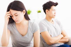 Vợ trẻ không ngờ tình huống oái oăm này lại 'vạch tội' chồng ngoại tình