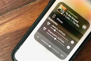 Cách chia sẻ nhạc giữa các thiết bị mà không cần kết nối hai bộ AirPods vào iPhone hoặc iPad