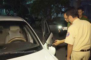 Cảnh sát 113 truy bắt tài xế ô tô say rượu gây tai nạn rồi bỏ chạy