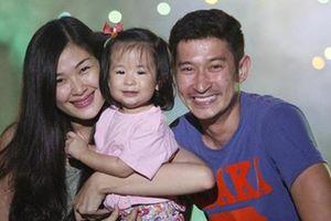 Con gái Huy Khánh bị chê thiếu ý tứ nhưng nam diễn viên vẫn một mực bảo vệ, nghe lý do thì đầy thuyết phục