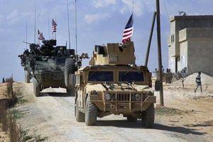 Cận cảnh đoàn xe quân sự Mỹ hùng hậu tiến vào Syria từ Iraq