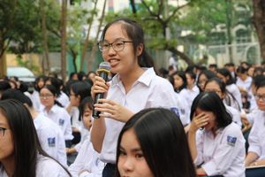 Không có đề minh họa, học sinh vất vả ôn thi THPT quốc gia