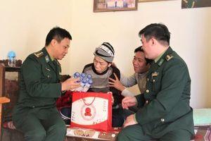 Nhiều hoạt động thiết thực kỷ niệm 75 năm Ngày Thành lập QĐND Việt Nam, 30 năm Ngày hội Quốc phòng toàn dân