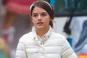 Con gái bị Tom Cruise bỏ rơi bất ngờ 'gây sốt' ở Hàn Quốc