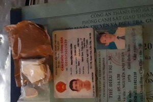 Hà Nội: Người đàn ông ném ma túy phi tang khi bị Cảnh sát 141 kiểm tra