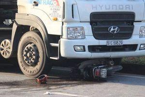 Ô tô đầu kéo đâm xe máy lọt gầm, cựu công an xã nguy kịch