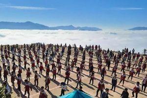 Dân thành phố ngưỡng mộ trường học đẹp ngỡ ngàng giữa biển mây Hà Giang