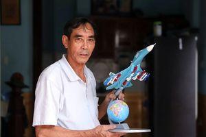 Chuyện người làm mô hình máy bay chiến đấu