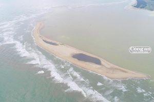 Nhiều ý kiến trái chiều về cồn cát trên biển Cửa Đại