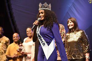 Hoa hậu thế giới được thủ tướng Jamaica chào đón khi về thăm quê nhà
