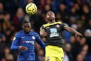 Vòng 19 Premier League: Chelsea thua đau, Arsenal nhọc nhằn giành 1 điểm