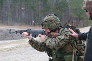 Lính Mỹ 'mừng như bắt được vàng' khi được trang bị khẩu súng huyền thoại của... Nga