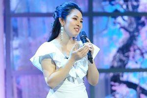 2 tháng sau sinh, Bảo Trâm Idol tái xuất xinh ngỡ ngàng tại 'Những phụ nữ có gu'