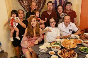 NSƯT Bảo Quốc tặng quà sinh nhật 'khủng' cho bà xã Hoài Lâm, dân tình nức lòng khen: 'Đúng là ông Nội xịn nhất thế giới'
