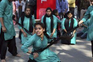 Nguyên nhân sâu xa của những vụ hiếp dâm tràn lan tại Ấn Độ