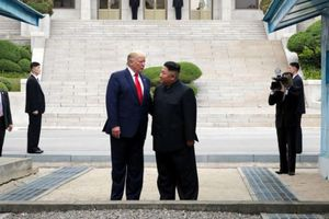 Cân não Kim - Trump