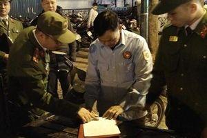 Hà Nội xử phạt nhiều bãi trông giữ xe 'chặt chém' khách đêm giao thừa