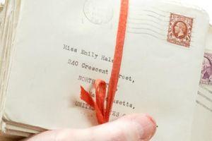Lần đầu tiên công bố hơn 1.000 bức thư tình của nhà thơ T.S. Eliot